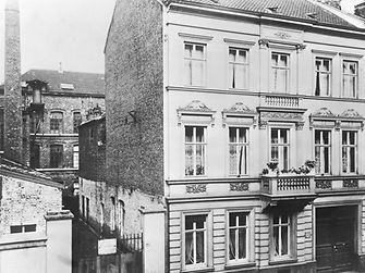 On September 26, 1876, Fritz Henkel founded the company Henkel & Cie in Aachen.